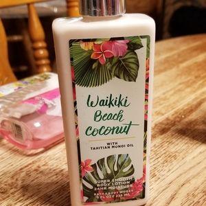 Bath and Body Works Lotion Waikiki Beach Coconut